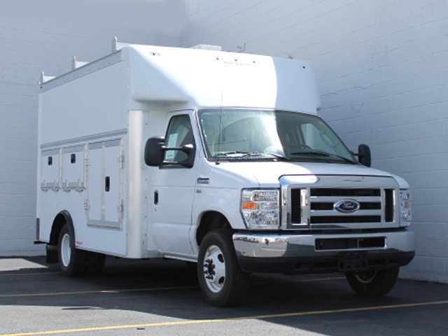 2018 E-350 4x2,  Rockport Service Utility Van #181748TZ - photo 4