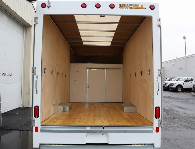 2019 E-350 4x2,  Unicell Aerocell Cutaway Van #190105TZ - photo 2