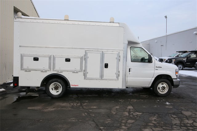 2019 E-350 4x2,  Rockport Service Utility Van #190610TZ - photo 2