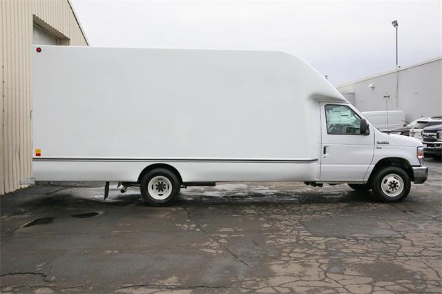 2019 E-350 4x2,  Unicell Cutaway Van #190769TZ - photo 4