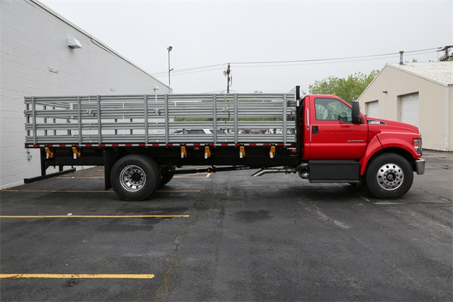 2019 F-650 Regular Cab DRW 4x2,  Morgan Stake Bed #190846TZ - photo 1