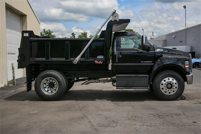 2019 F-650 Regular Cab DRW 4x2,  Cab Chassis #190858TZ - photo 2