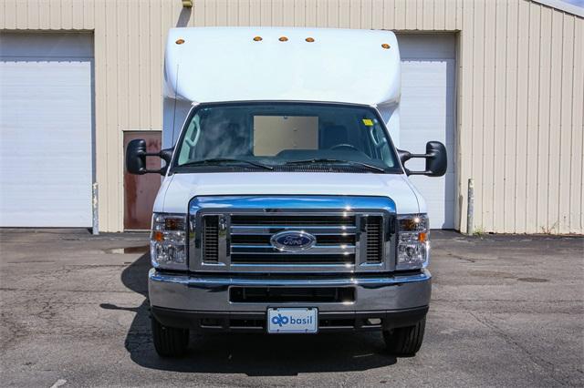 2019 E-350 4x2,  Unicell Cutaway Van #190885TZ - photo 3