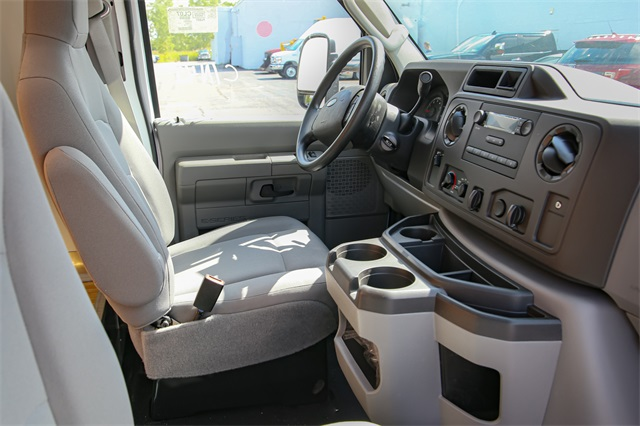 2019 E-350 4x2,  Unicell Cutaway Van #190885TZ - photo 8