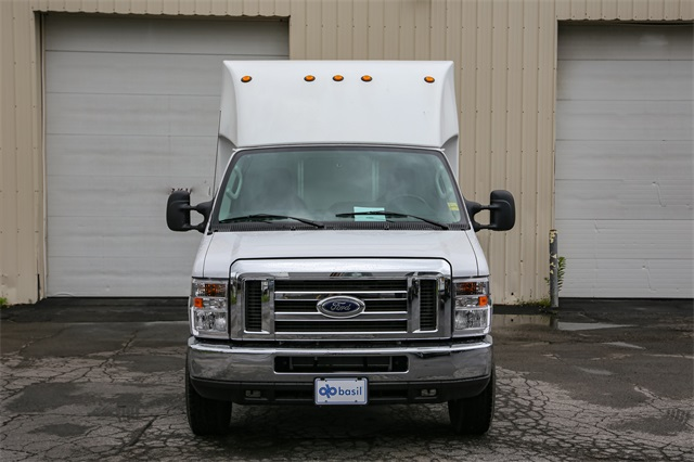 2019 E-350 4x2,  Unicell Cutaway Van #191047TZ - photo 3