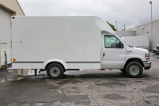 2019 E-350 4x2,  Unicell Cutaway Van #191066TZ - photo 1
