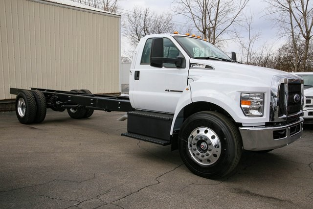 2019 Ford F-650 Regular Cab DRW 4x2, Cab Chassis #191593TZ - photo 1