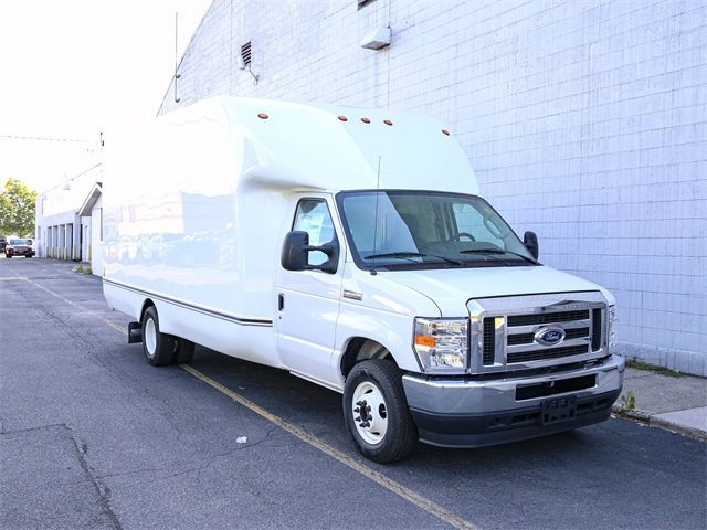 2021 Ford E-350 4x2, Unicell Cutaway Van #210010TZ - photo 1
