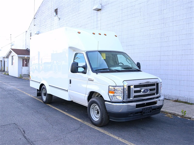 2021 Ford E-350 4x2, Unicell Cutaway Van #210016TZ - photo 1