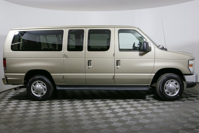 2008 E-350 4x2,  Passenger Wagon #R2927A - photo 3