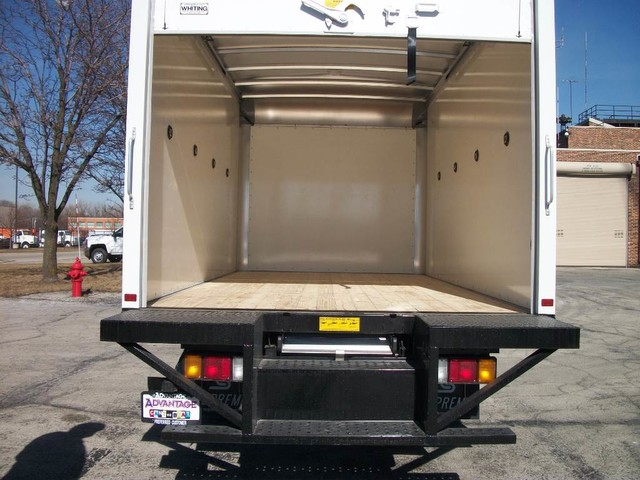 2016 LCF 3500 Regular Cab, Supreme Dry Freight #43055 - photo 3