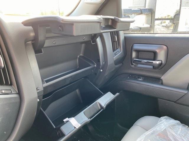 2019 Silverado 2500 Double Cab 4x4, Knapheide Steel Service Body #47838 - photo 21