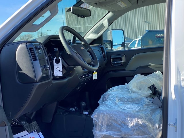 2019 Silverado 2500 Double Cab 4x4, BOSS Snowplow Pickup #48075 - photo 17