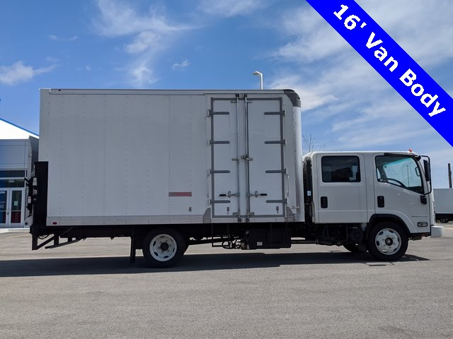 2018 Chevrolet LCF 5500HD Crew Cab 4x2, Supreme Dry Freight #48291 - photo 1