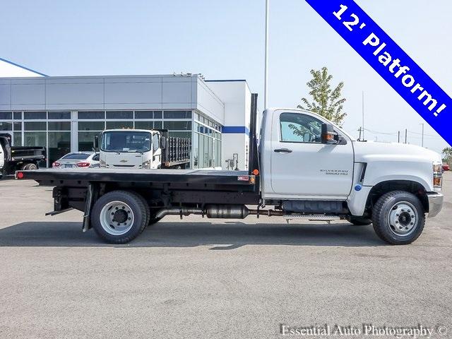 2020 Chevrolet Silverado 5500 Regular Cab DRW 4x2, Monroe Platform Body #48668 - photo 1