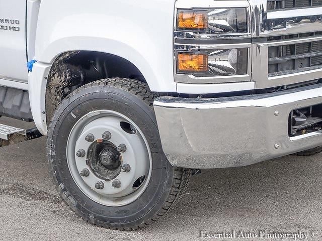 2020 Silverado 5500 Regular Cab DRW 4x2,  Monroe Truck Equipment Versa-Line Stake Body Stake Bed #49439 - photo 18