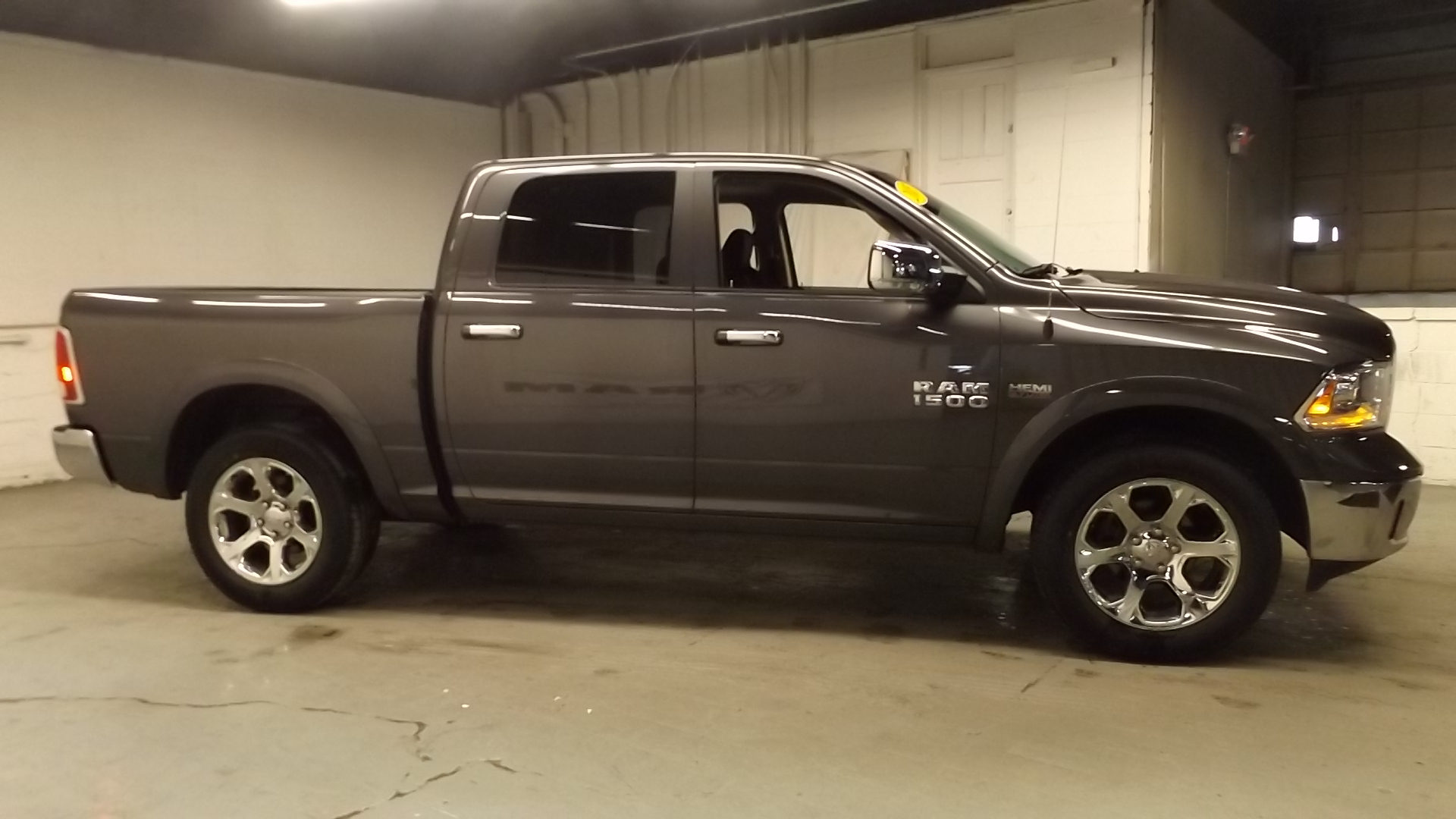 2016 Ram 1500 Crew Cab 4x4, Pickup #1703165A - photo 3