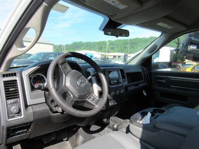 2016 Ram 5500 Regular Cab DRW 4x4,  Cab Chassis #GG126780 - photo 9