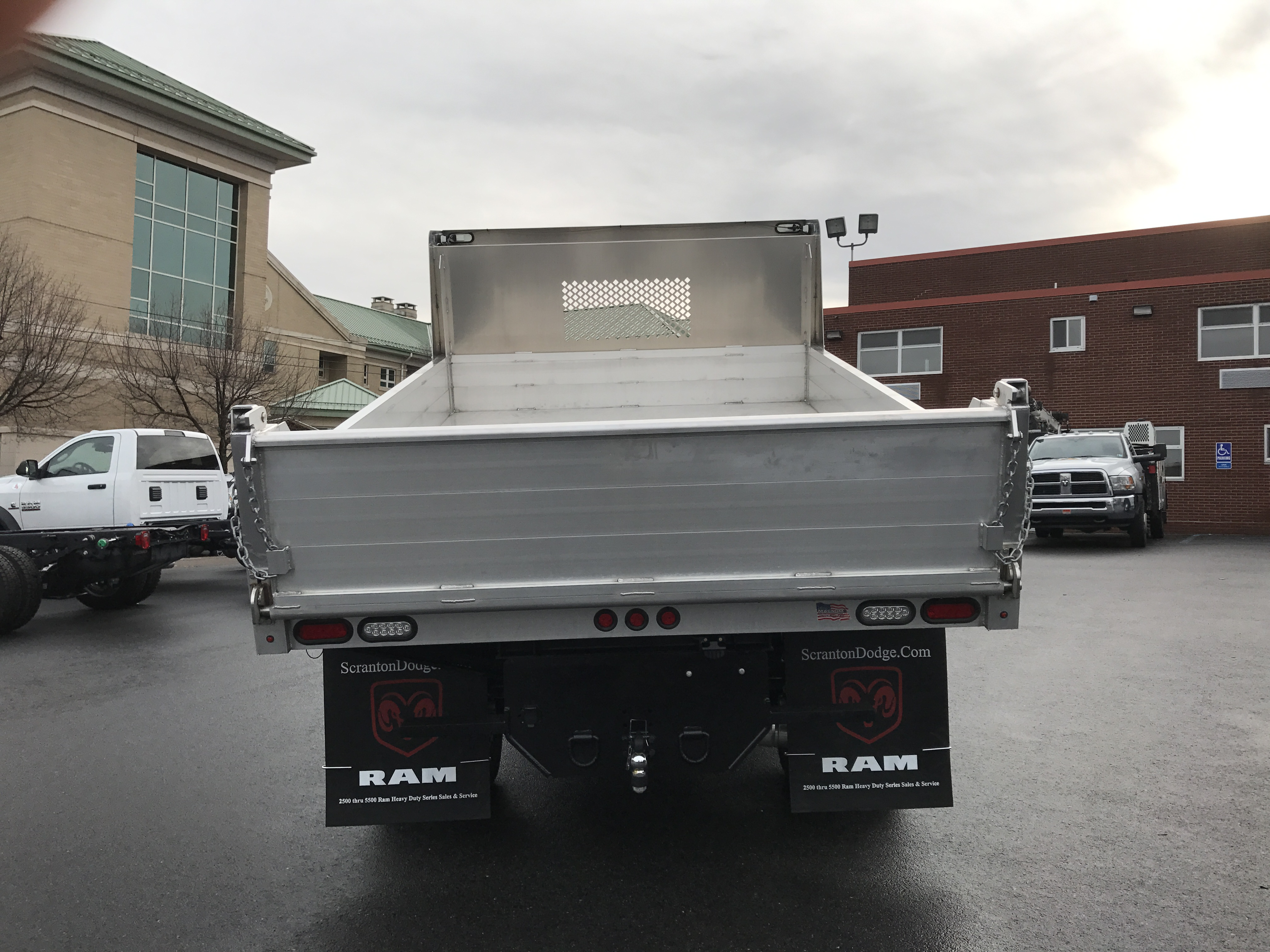 2016 Ram 3500 Regular Cab DRW 4x4, Dump Body #GG132292 - photo 5