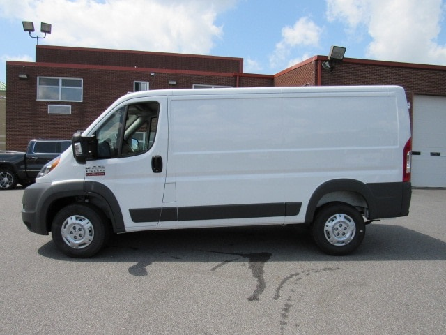 2017 ProMaster 1500 Low Roof FWD,  Empty Cargo Van #HE539091 - photo 3