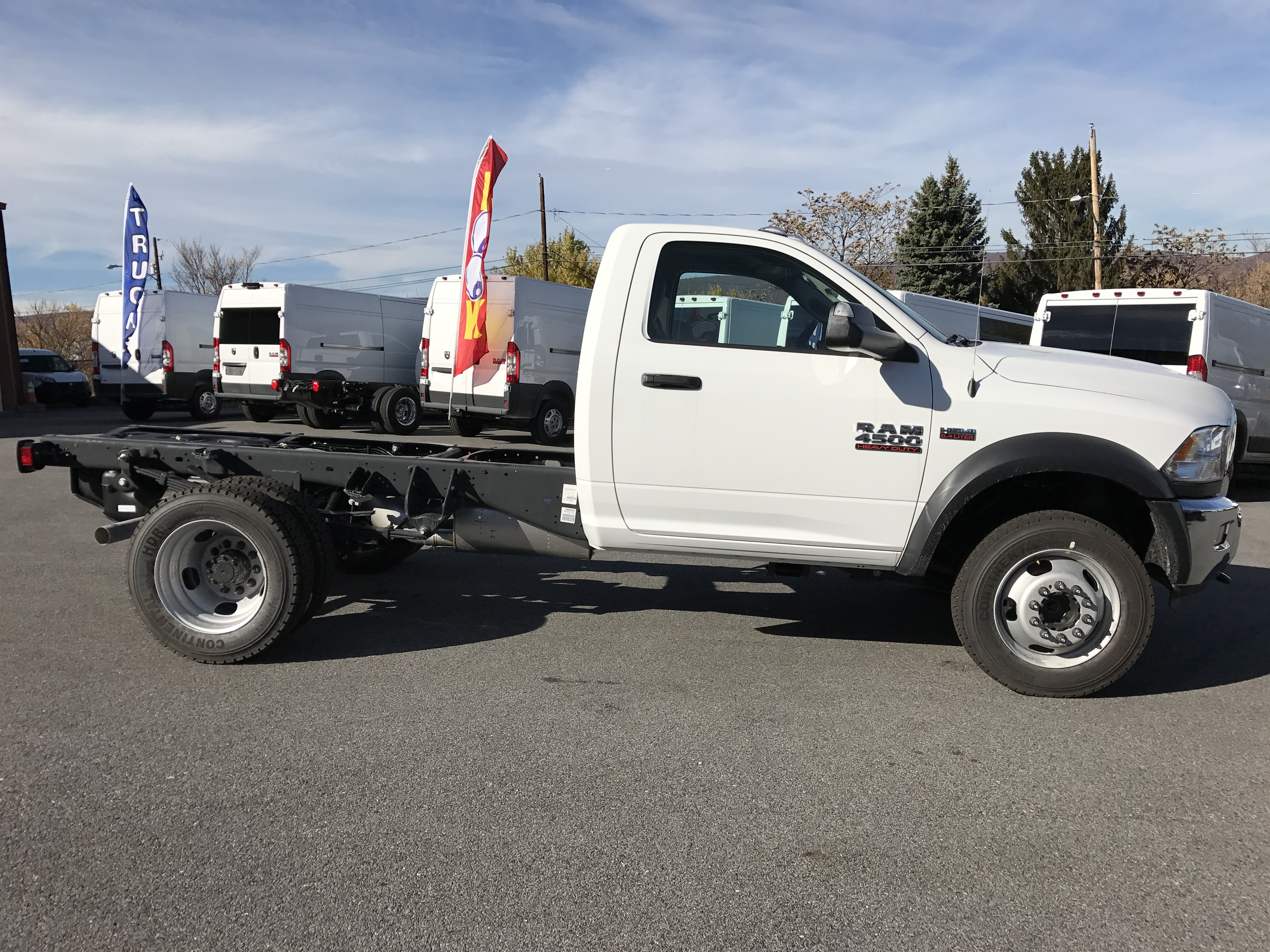 2017 Ram 4500 Regular Cab DRW 4x4, Cab Chassis #HG504539 - photo 3