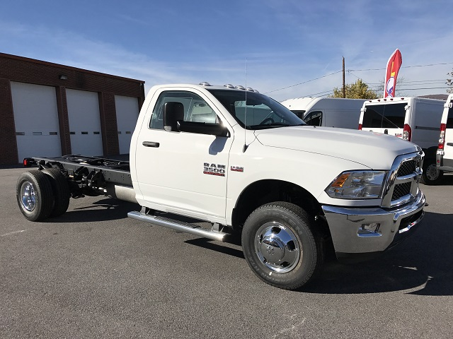 2017 Ram 3500 Regular Cab DRW 4x4, Cab Chassis #HG515177 - photo 12