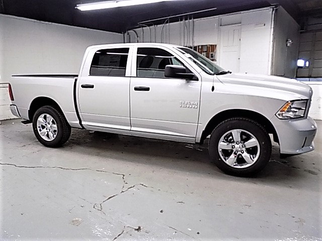 2017 Ram 1500 Crew Cab 4x4,  Pickup #HS772490 - photo 4