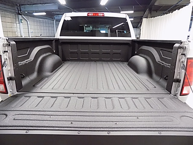2017 Ram 1500 Crew Cab 4x4,  Pickup #HS772490 - photo 37