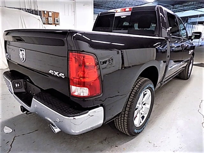 2018 Ram 1500 Crew Cab 4x4, Pickup #JG118457 - photo 4