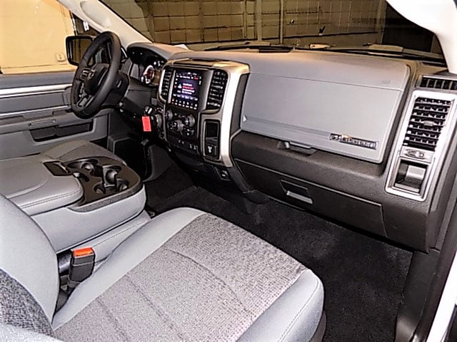 2018 Ram 1500 Crew Cab 4x4, Pickup #JG138337 - photo 41