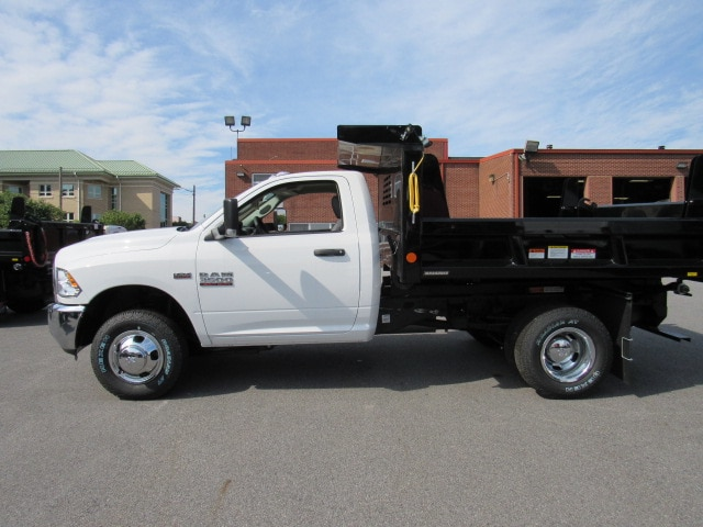 2018 Ram 3500 Regular Cab DRW 4x4,  Reading Dump Body #JG259367 - photo 4