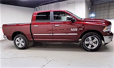 2018 Ram 1500 Crew Cab 4x4 Pickup #JS102439 - photo 4
