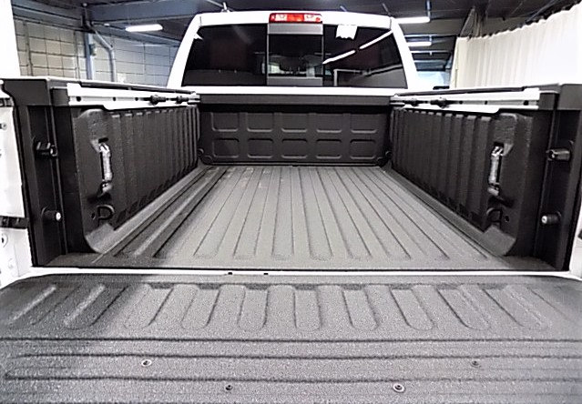2018 Ram 1500 Crew Cab 4x4, Pickup #JS113194 - photo 52