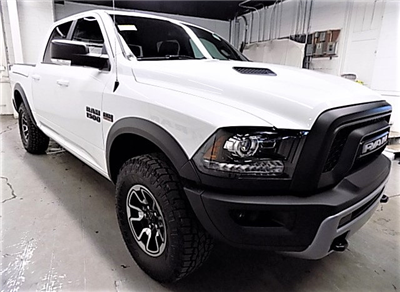 2018 Ram 1500 Crew Cab 4x4, Pickup #JS113194 - photo 3