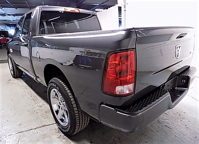 2018 Ram 1500 Quad Cab 4x4 Pickup #JS129067 - photo 2