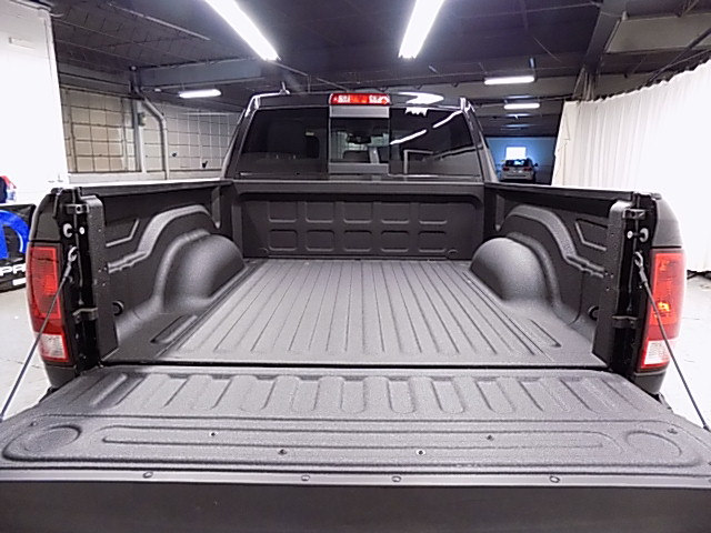 2018 Ram 1500 Crew Cab 4x4 Pickup #JS129213 - photo 51