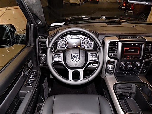 2018 Ram 1500 Crew Cab 4x4 Pickup #JS161611 - photo 9