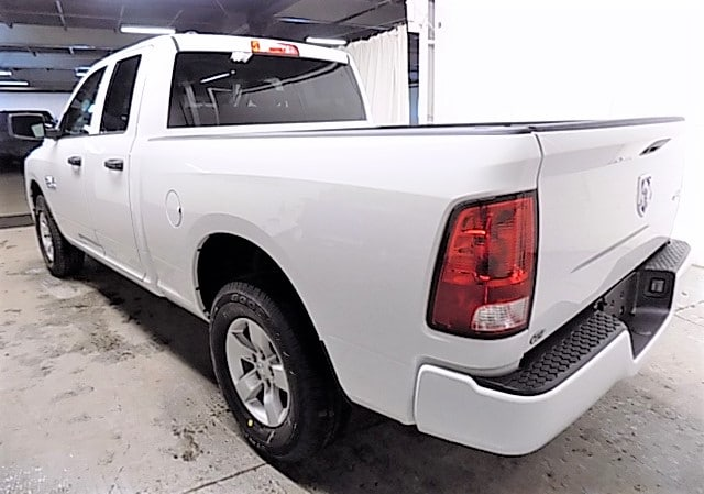 2018 Ram 1500 Quad Cab 4x4, Pickup #JS215855 - photo 2