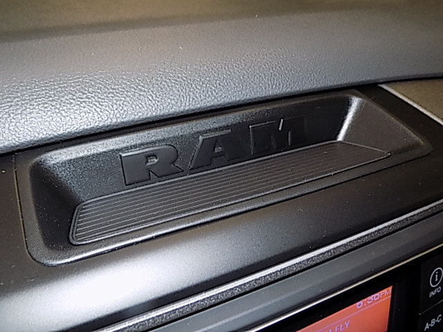 2018 Ram 1500 Crew Cab 4x4, Pickup #JS256053 - photo 14