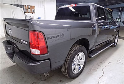 2018 Ram 1500 Crew Cab 4x4, Pickup #JS256053 - photo 5
