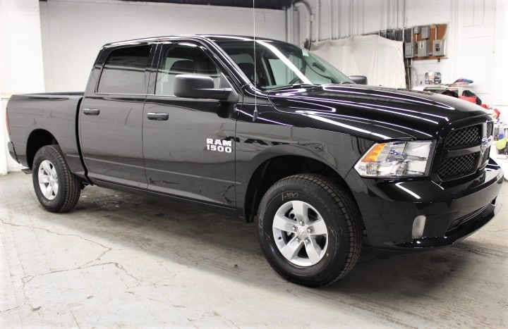 2018 Ram 1500 Crew Cab 4x4,  Pickup #JS277159 - photo 3