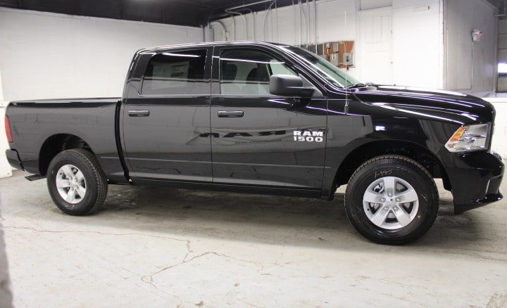 2018 Ram 1500 Crew Cab 4x4,  Pickup #JS277159 - photo 4