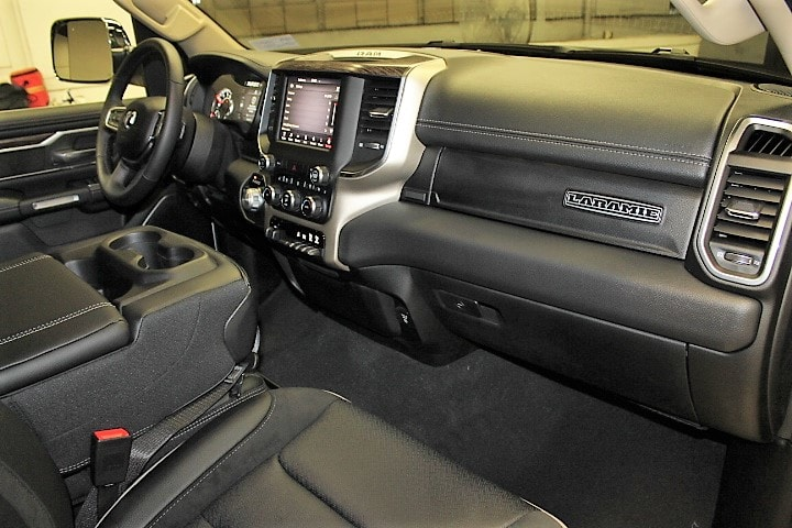2019 Ram 1500 Crew Cab 4x4,  Pickup #KN553758 - photo 32