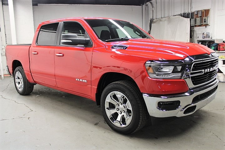 2019 Ram 1500 Crew Cab 4x4,  Pickup #KN646023 - photo 3