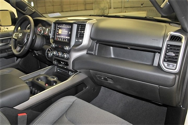 2019 Ram 1500 Crew Cab 4x4,  Pickup #KN654255 - photo 32