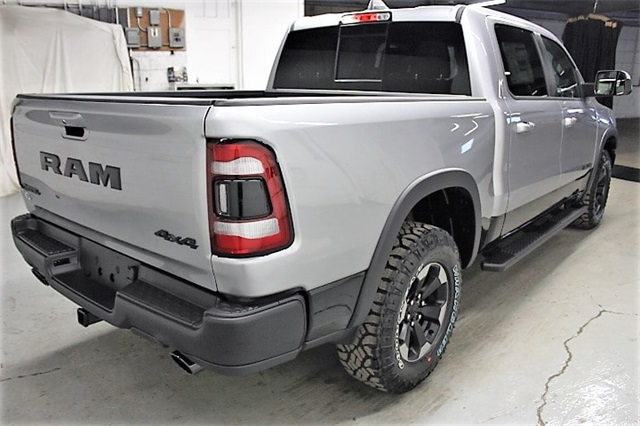 2019 Ram 1500 Crew Cab 4x4,  Pickup #KN657559 - photo 5