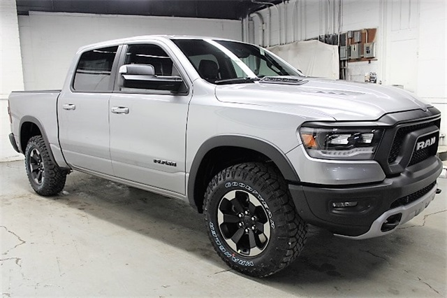 2019 Ram 1500 Crew Cab 4x4,  Pickup #KN686978 - photo 3