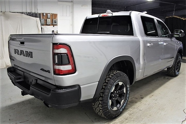 2019 Ram 1500 Crew Cab 4x4,  Pickup #KN686978 - photo 5