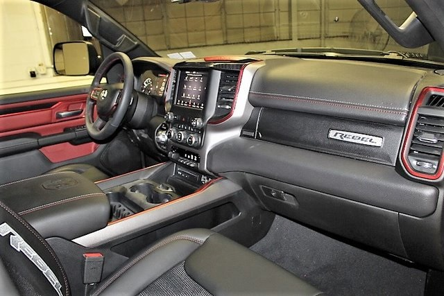 2019 Ram 1500 Crew Cab 4x4,  Pickup #KN693583 - photo 32