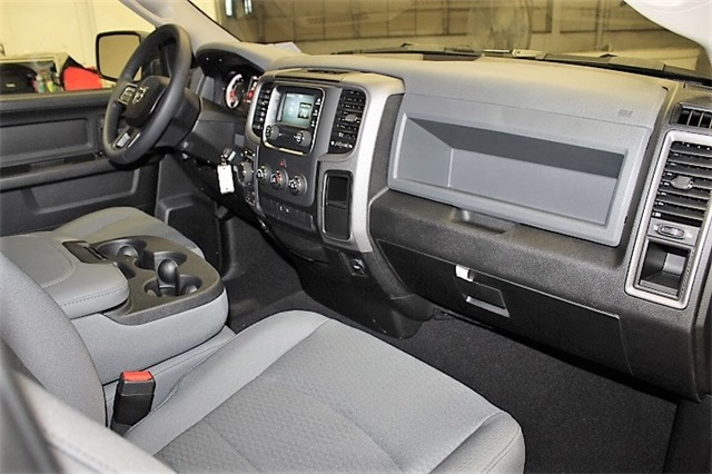 2019 Ram 1500 Quad Cab 4x4,  Pickup #KS541958 - photo 32